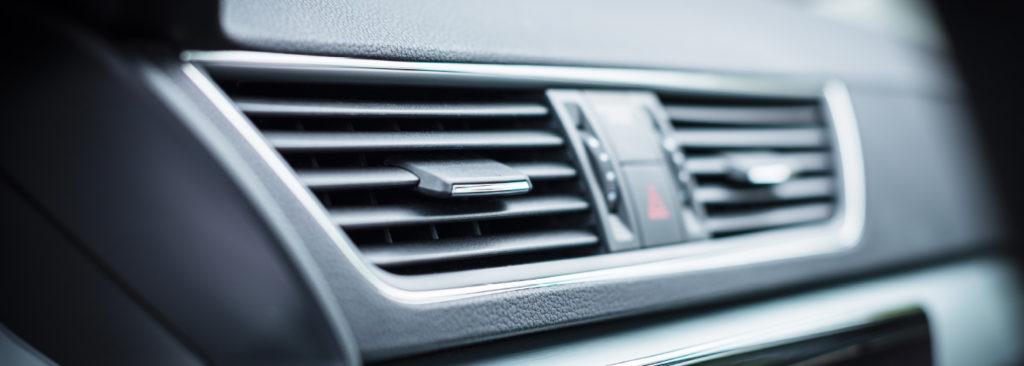 Výdechy klimatizace v autě
