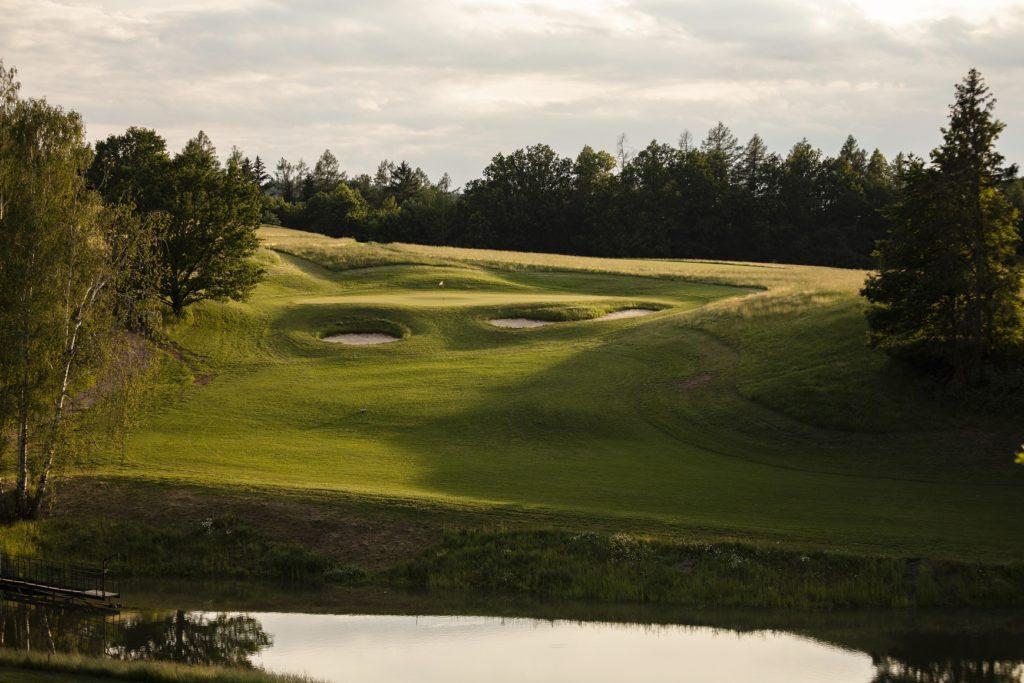 Golf Dolní Dobrouč - jamka č. 8