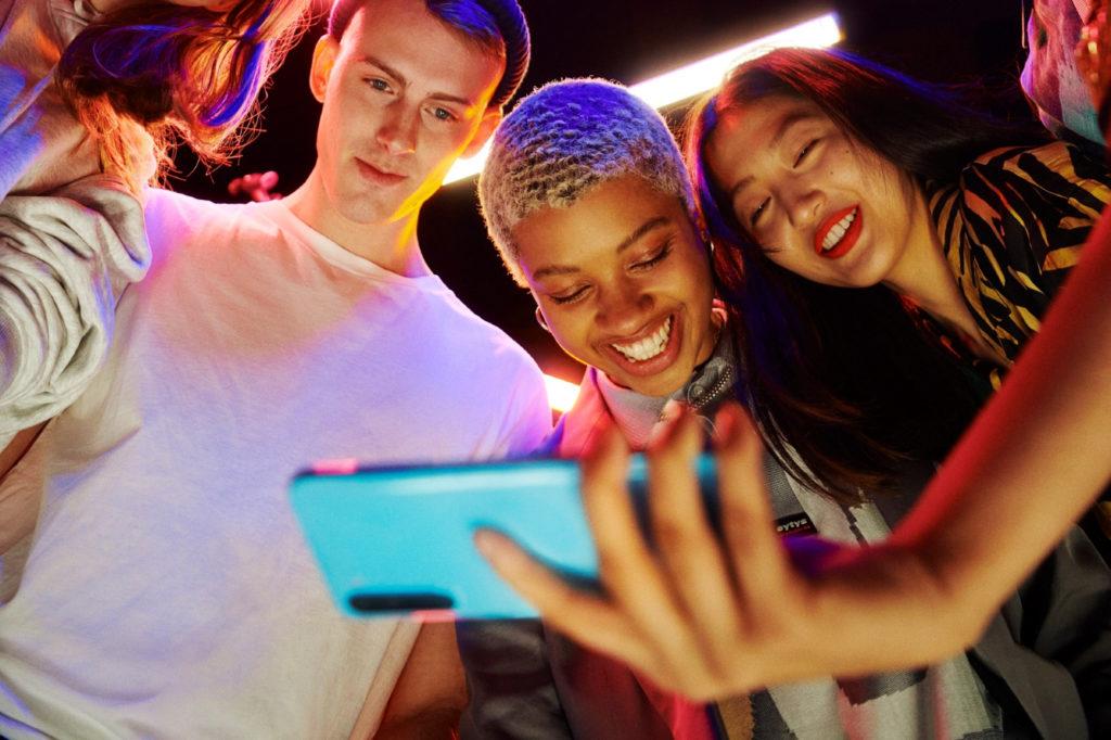 OnePlus Nord je ideální telefon pro selfíčka