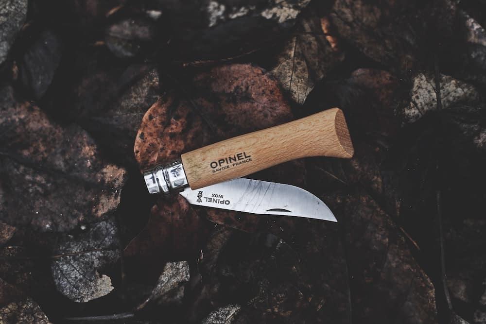 Nůž se zavírací čepelí