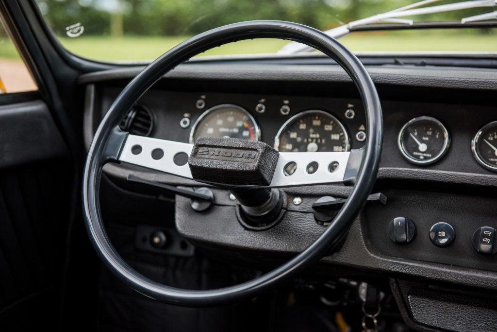 Škoda 110 R - interiér