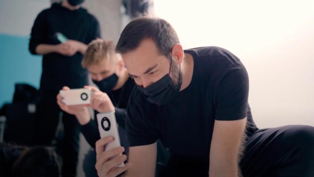 Natáčení videoklipu Dary Rolins probíhalo kompletně na mobilní telefony