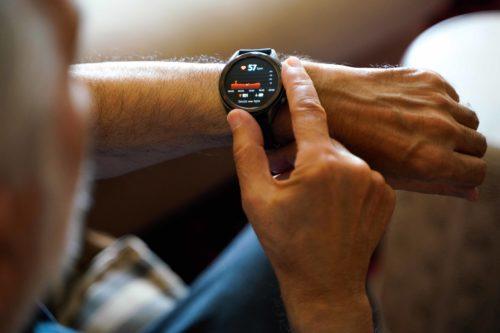 Chytré hodinky monitorují zdraví