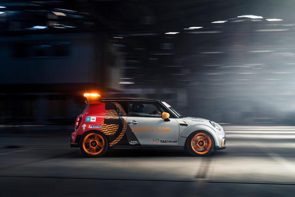 Elektrický safety car Mini